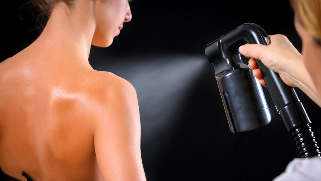 Spray Tan by Evelyn